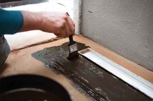 Come impermeabilizzare le pareti del bagno e il box doccia