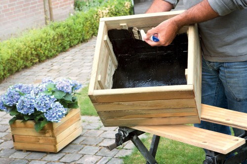 costruire-impermeabilizzare-una-fioriera-fai-da-te