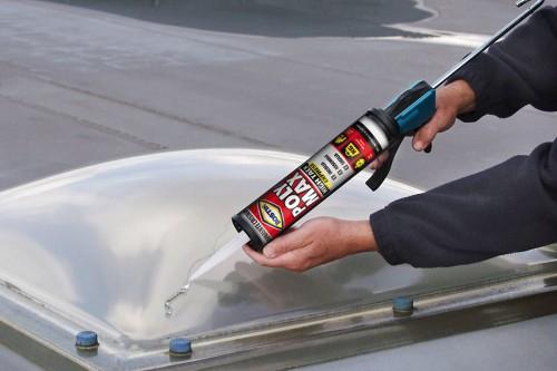 Per sigillare crepe e riparare cupole e lucernari potete usare Poly Max Cristal